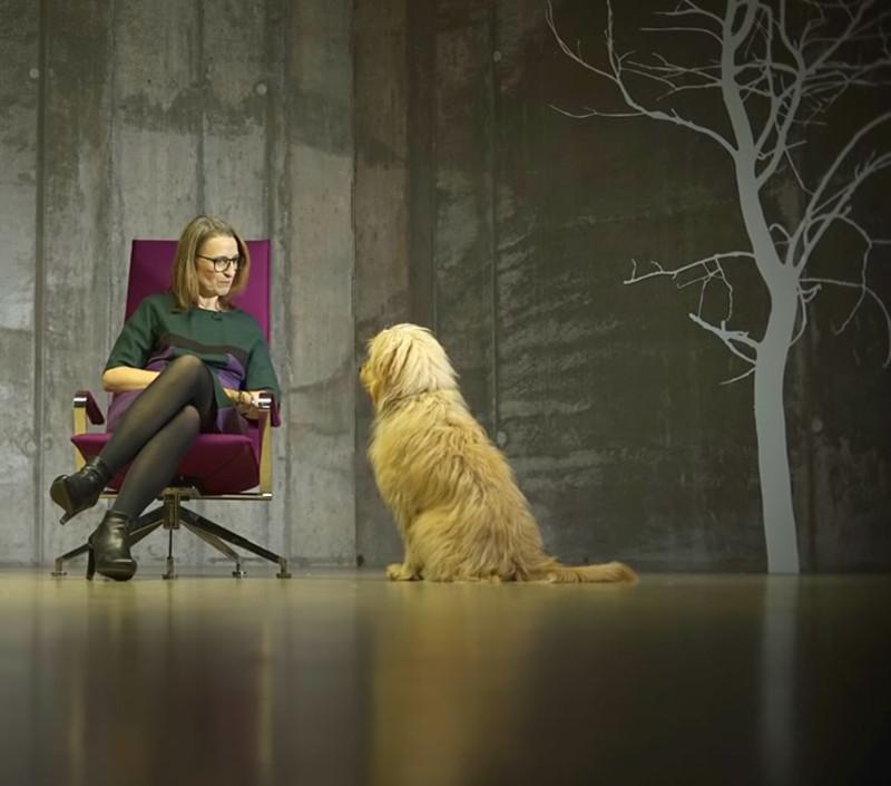 Ulrike Reiche, der Pausencoach, mit Hund Samba